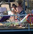 Haluk Bilginer ve Aşkın Nur Yengi'nin tatili devam ediyor