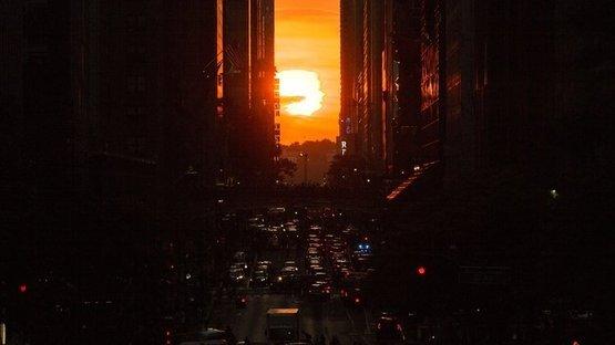 Manhattan'da eşsiz gün batımı manzarası büyüledi