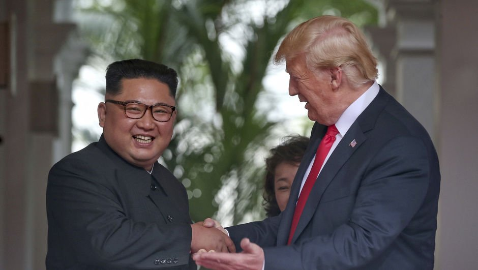 Kim Jong Un'dan Trump'a: Saygıdeğer ekselansları Başkan!