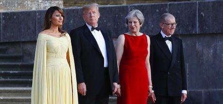 Melania Trump'ın elbisesinde dikkat çeken detay