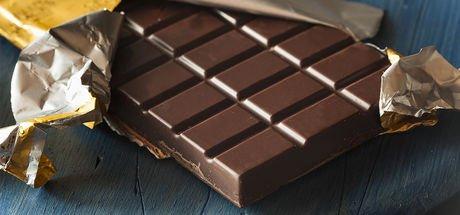 Muz ve kabuklu yemiş yiyin ama bitter çikolata asla! İşte nedeni...