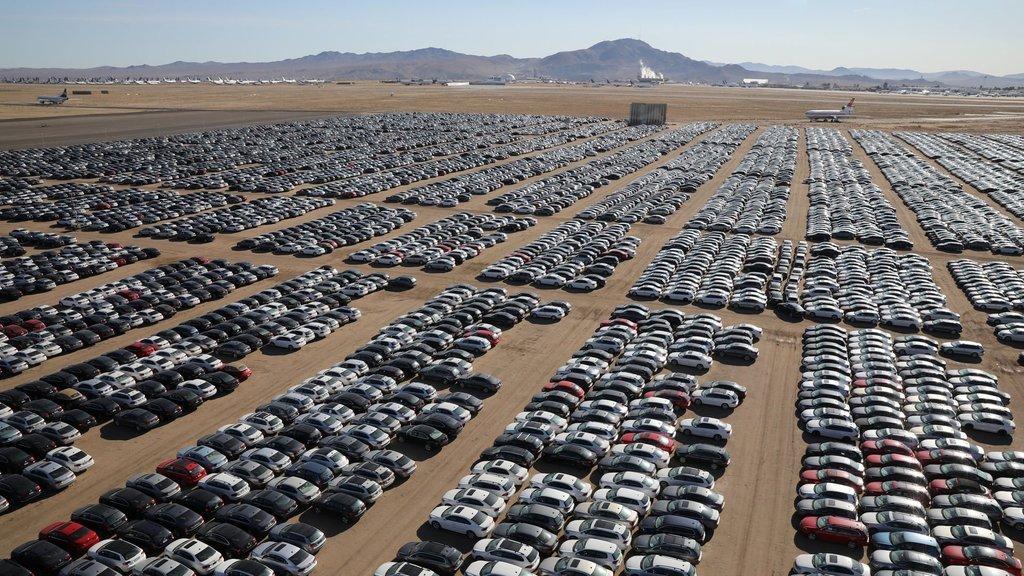 Otomotiv pazarında daralma sürüyor