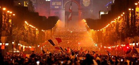 Fransa'daki şampiyonluk kutlamalarında 2 kişi öldü!