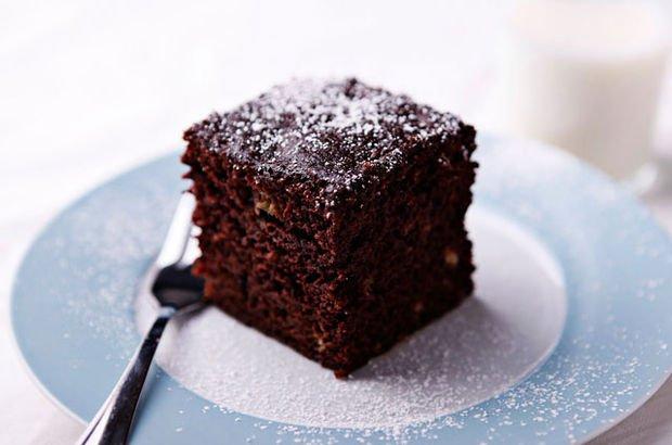 Pastane usülü çikolatalı ıslak kek tarifi : Islak kek nasıl yapılır?
