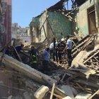 Mersin'de bina çöktü! Bölgeye ekipler sevk edildi
