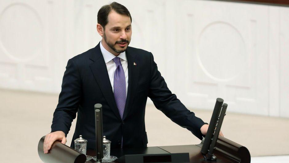 Bakan Albayrak'tan 'yeniden yapılandırma' açıklaması