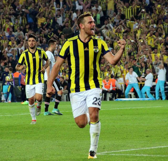 Ve bomba patlıyor! Fenerbahçe'den son dakika transfer haberleri