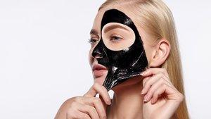 Burundaki siyah noktaları temizleyen maskeler