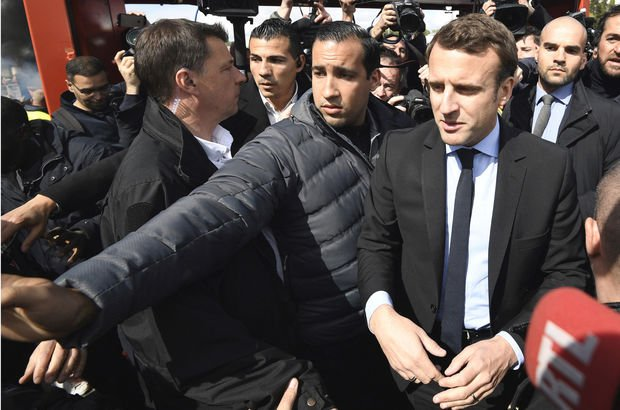 Koruması Fransa'yı karıştırdı: Macron hedef oldu!