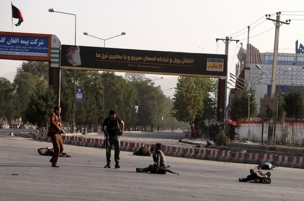Türkiye'den Kabil'e dönen Afganistan Devlet Başkanı Yardımcısı Dostum'u karşılama töreninde patlama