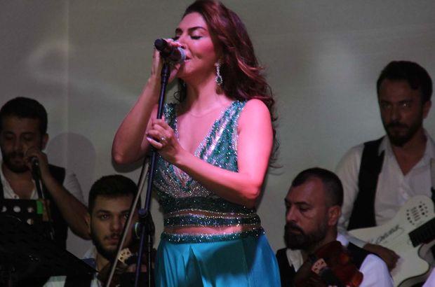 Ebru Yaşar, Balıkesir'de bir düğünde sahne aldı - Magazin haberleri