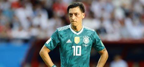 Mesut Özil'in kararı sonrasında ilk yorumlar