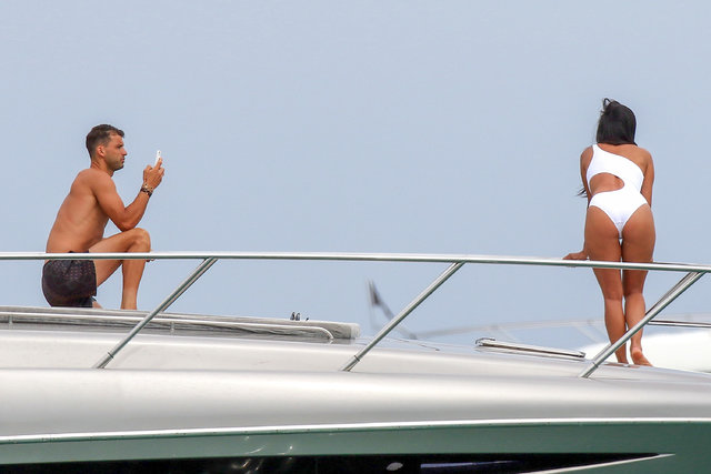 Nicole Scherzinger St. Tropez'de güneşin tadını çıkardı
