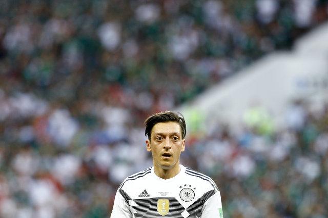 Almanya Milli Takımı'nı bırakan Mesut Özil'e büyük destek