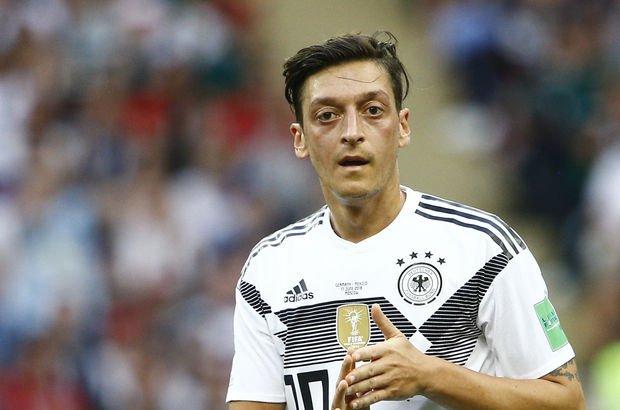 Gençlik ve Spor Bakanı Mehmet Muharrem Kasapoğlu'ndan Mesut Özil'e destek