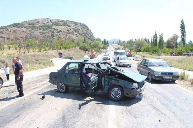 Burdur'da iki ayrı trafik kazası! 12 kişi yaralandı