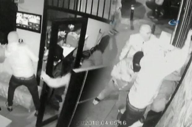 Fatih'te 150 bin dolarlık döviz bürosu soygunu kamerada