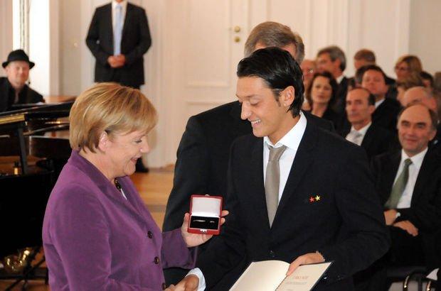 Son dakika... Alman hükümetinden Mesut Özil açıklaması!