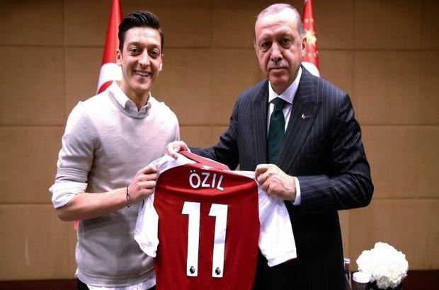 Financial Times: Mesut Özil'in Milli Takımı bırakma kararı Almanya'da ırk tartışmasını alevlendirdi