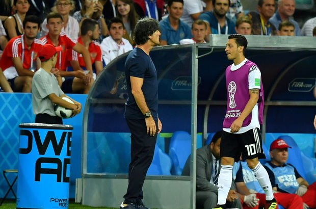 Irkçılığa karşı mücadele veren kuruluş Kick it out'tan, Mesut Özil'e destek