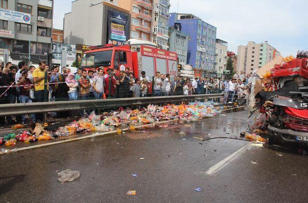 Kola yüklü kamyon TIR'a arkadan çarptı: 1 ölü, 2 yaralı