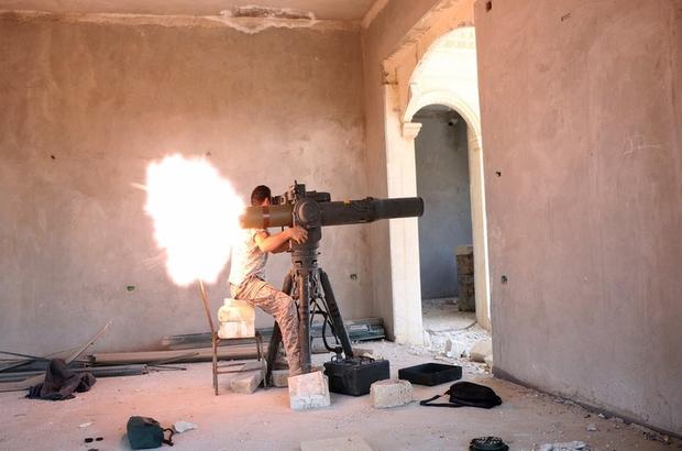 Independent yazarı Robert Fisk: Batı'nın Suriye'de kime silah sattığını açıklamasının zamanı geldi