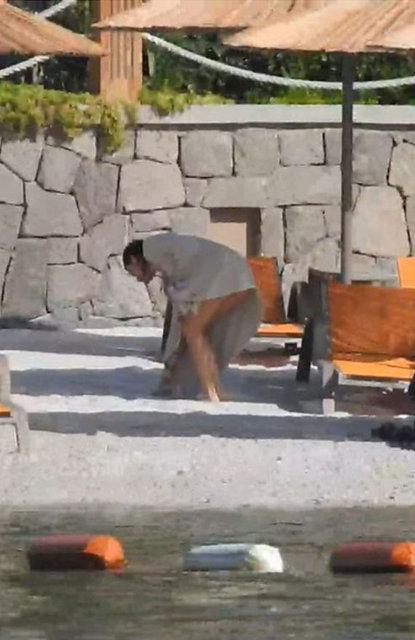 Kenan Doğulu'nun eşi Beren Saat plajı temizledi - Magazin haberleri