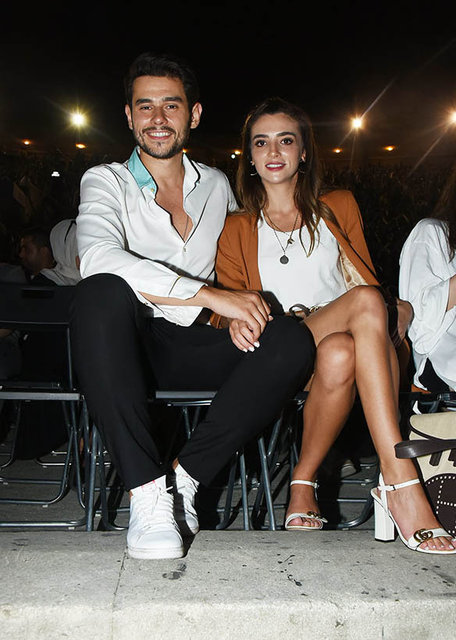Cem Belevi sevgilisi Zehra Yılmaz ile Yıldız Tilbe konserindeydi - Magazin haberleri