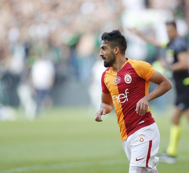 """Muğdat Çelik, Sakaryaspor Galatasaray maçında sosyal medyayı salladı! """"Dat diri dat dat Muğdat!"""""""