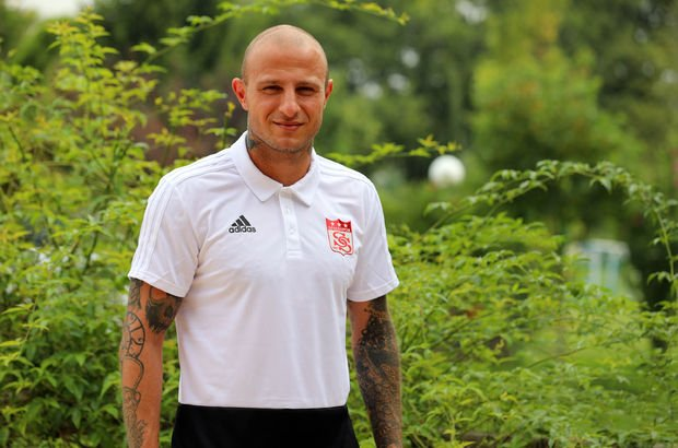 Demir Grup Sivasspor, Aydın Karabulut'u kadrosuna kattı