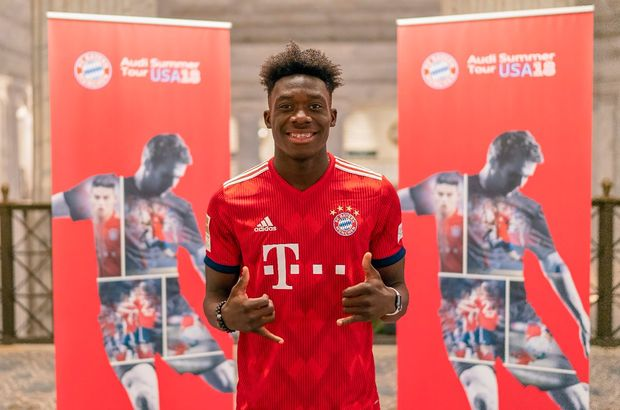 Bayern Münih, 17 yaşındaki Alphonso Davies'i transfer etti