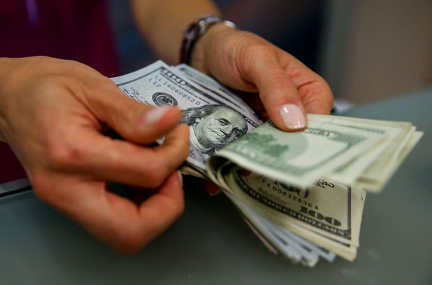 Dolar 4.80 liranın altına indi