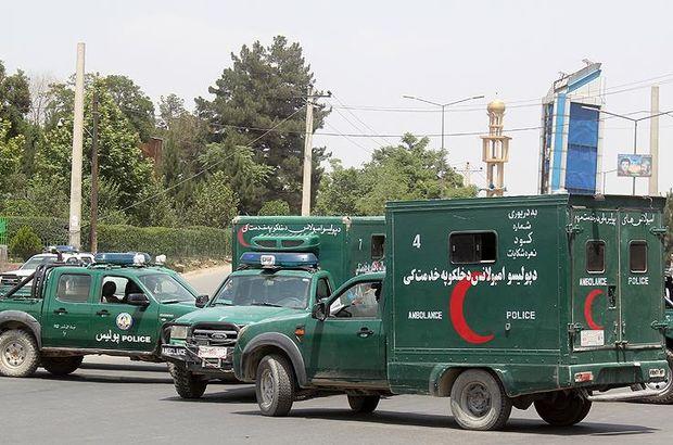 Afganistan'da istihbaratçıların konvoyuna bombalı saldırı!