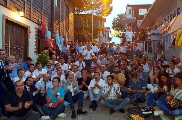 Son dakika: İYİ Parti teşkilatları Akşener'in evinin önünde ikna nöbetine başlıyor
