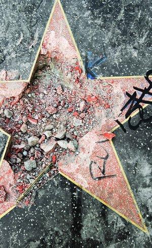 Trump'ın yıldızına saldırı!