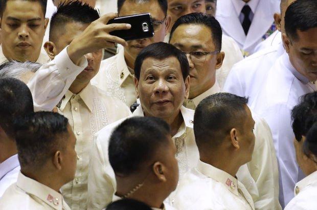 Duterte'den Moro Müslümanları'na özerklik veren yasaya onay!