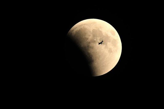 Kanlı Ay tutulması 2018! Türkiye ve dünyadan Kanlı Ay tutulmasının nefes kesen fotoğrafları
