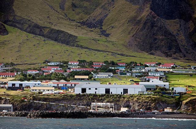 Dünyanın en uzak köşesi: Tristan da Cunha