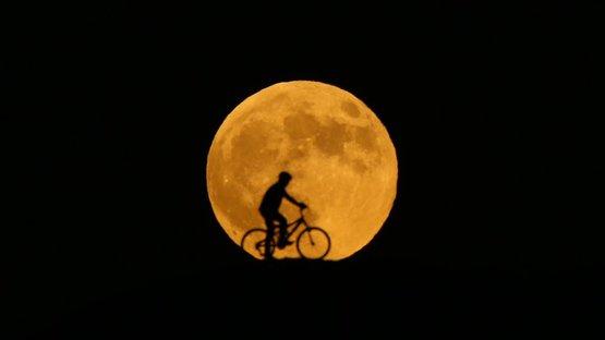 Kanlı Ay tutuldu! Kartpostallık görüntüler oluştu