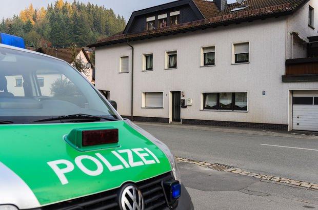 Almanya'dan skandal davranış: Türk gencin başına çuval geçirdiler!