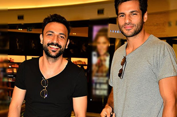 Serkan Çayoğlu ve rol arkadaşı Ozan Ağaç alışveriş turunda karşılaştı - Magazin haberleri