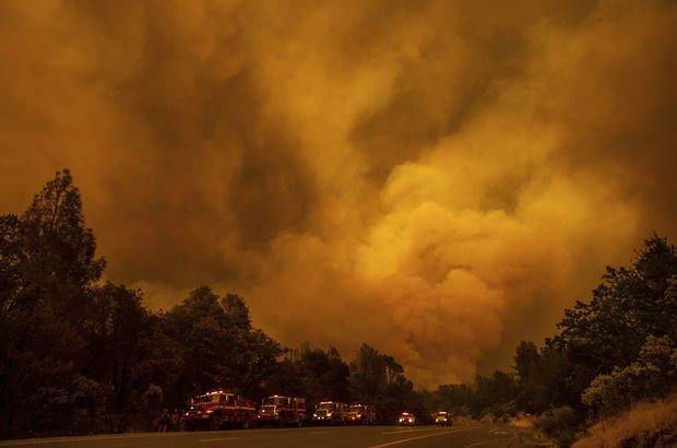 Kaliforniya'daki yangın kontrol altına alınamıyor!