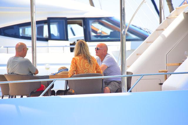 Kate Moss, Bodrum tatilinin ardından mavi tura çıktı