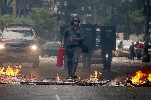 Brezilya'da 8 otobüs ateşe verildi, kamu binaları ateş açıldı!