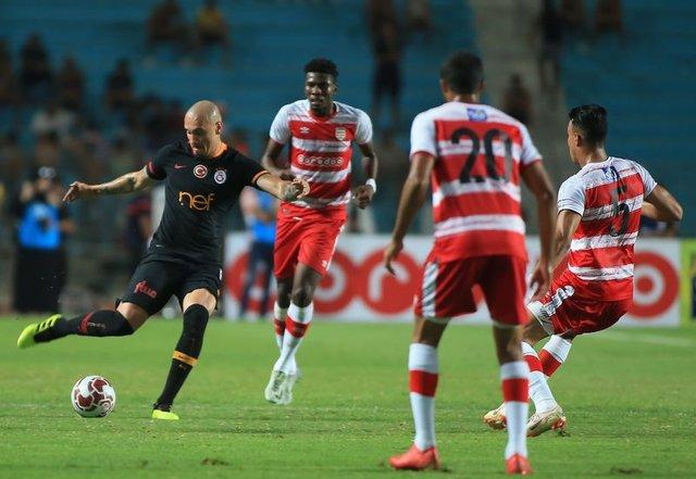 Galatasaray'da Maicon ve Onyekuru gelişmesi