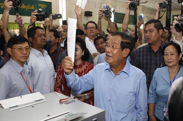 Kamboçya'da seçimi Hun Sen kazandı