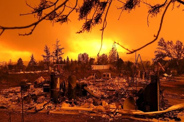 California'yı saran orman yangınları giderek büyüyor