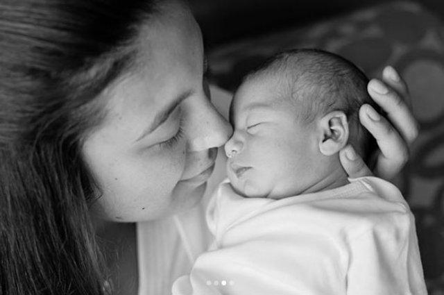 Berkay-Özlem Ada Şahin çiftinin kızı Arya 1 yaşında! - Magazin haberleri