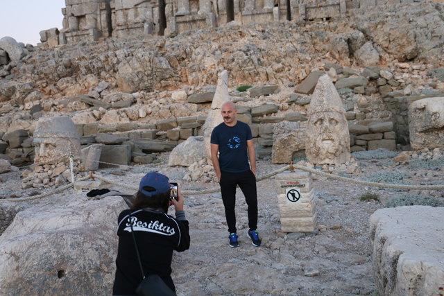 """""""Dünya mirası"""" Nemrut'a ziyaretçi akını"""