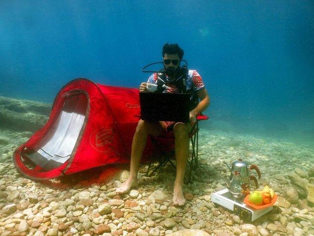 Burak Sevinç, Fethiye'de deniz dibine kamp kurdu - Magazin haberleri